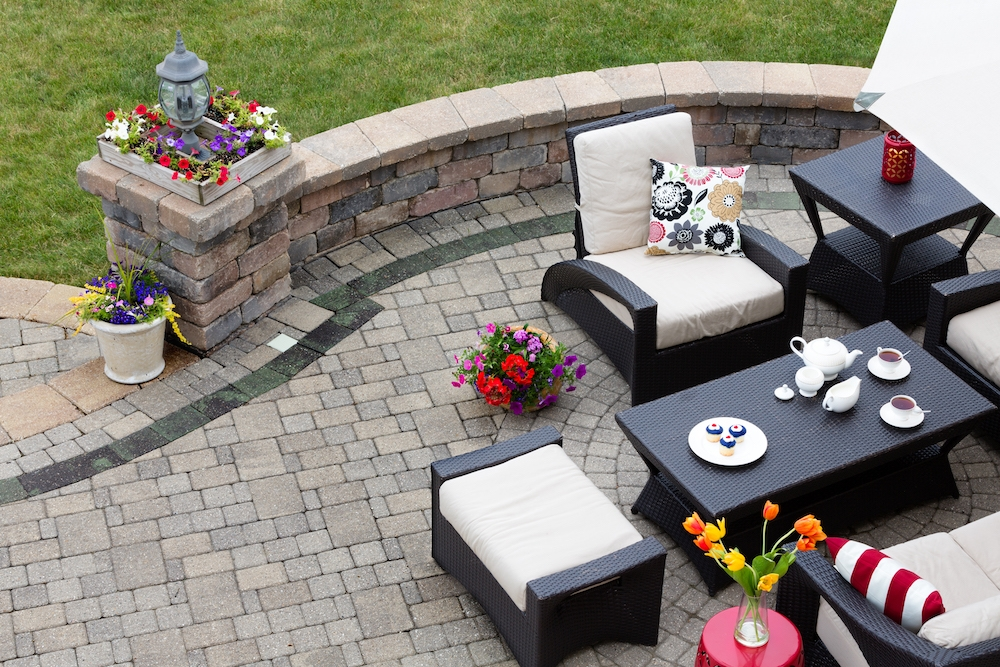 Outdoor Kitchen Brick Pavers